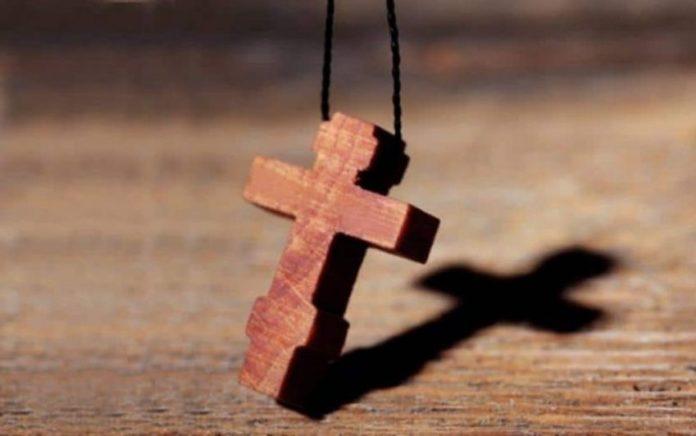 Ποιο είναι πιο δυνατό; Το φίδι ή ο Σταυρός; | Ιερά Μονοπάτια